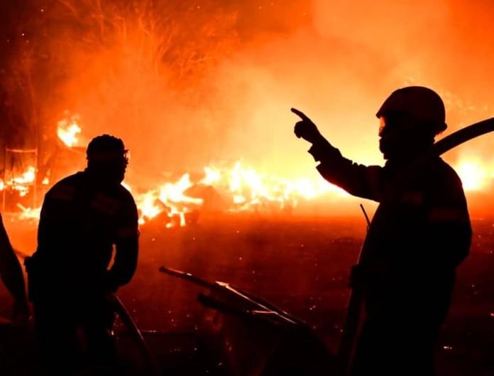 Φωτιά στην Βαρυμπόμπη: Αγαπημένος ηθοποιός από τις 8 λέξεις ρίχτηκε στη μάχη με τις φωτιές