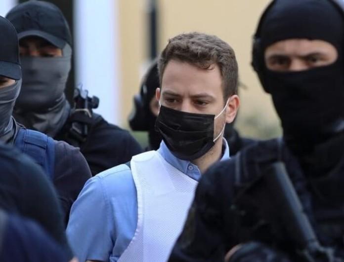 Γλυκά Νερά: Απομονωμένος ο Μπάμπης Αναγνωστόπουλος - Δεν έχει επαφές με την οικογένειά του