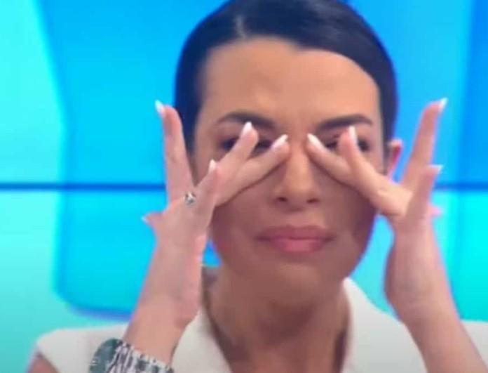 Ξέσπασε σε κλάματα η Νικολέττα Ράλλη στην πρεμιέρα της εκπομπής της - Δεν μπορούσε να μιλήσει από τα δάκρυα