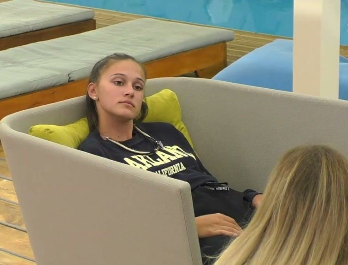 Big Brother 2: Σαμάνθα για Πέτσα και Ανχελίτα - «Κοιμόμαστε το βράδυ και το κρεβάτι κουνιέται»