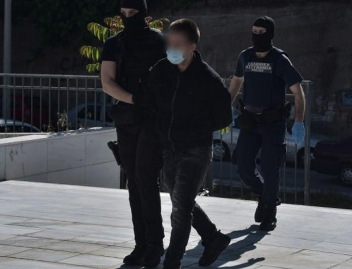 Ελένη Τοπαλούδη: Στην Ρόδο μεταφέρθηκε ο 23χρονος δολοφόνος - Δικάζεται ως υπαίτιος για σοβαρό τροχαίο