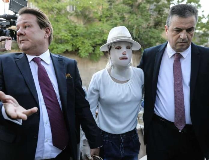 Επίθεση με βιτριόλι - Δικηγόρος κατηγορούμενης: «Ομολογεί την ενοχή της αλλά ζητά τη μετατροπή της κατηγορίας»