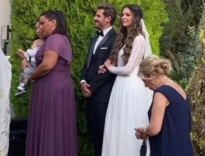 Κωνσταντίνα Παπαμιχαήλ: Ρομαντικό και υπέρκομψο το νυφικό της στον γάμο της με τον Άκη Πετρετζίκη