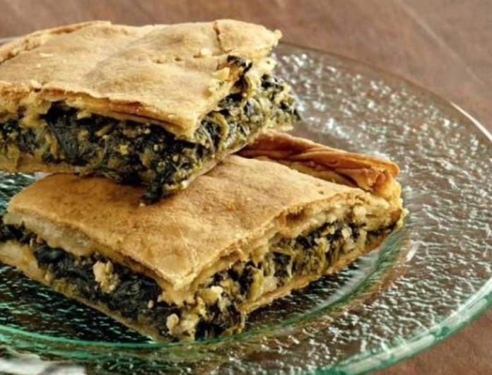 Εύκολη και παραδοσιακή σπανακοτυρόπιτα με τραγανό φύλλο από την Αργυρώ Μπαρμπαρίγου