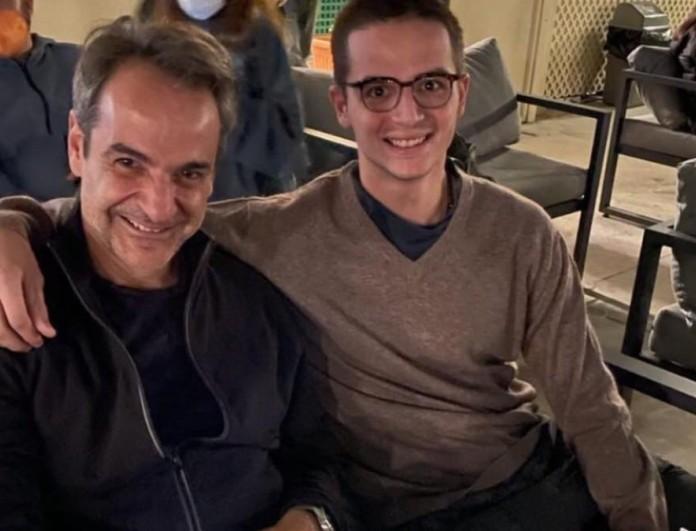 Insta Poll: Μοιάζει ο Κυριάκος Μητσοτάκης με τον γιο του;
