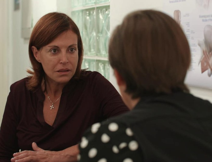 Η τελευταία ώρα (11/10): Η Λουκία ανακαλύπτει κάτι συνταρακτικό για την Έλλη