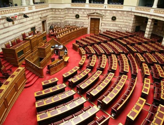 Καταστροφές στη Βουλή από την κακοκαιρία «Μπάλλος» - Έπεσαν μάρμαρα