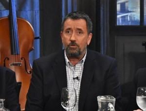 """Εκτός από τον ΣΚΑΙ και ο Σπύρος Παπαδόπουλος με το """"Στην υγεία μας ρε παιδιά"""""""
