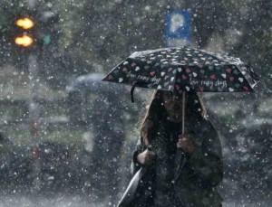 Με βροχές και καταιγίδες σήμερα ο καιρός - Που θα χιονίσει;