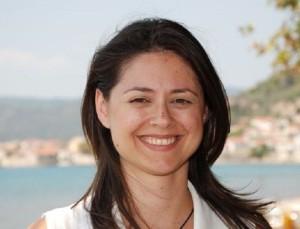 Καταγγελία από τη Ζέφη Δημαδάμα: Την παρενόχλησε κομματικό στέλεχος σε ασανσέρ