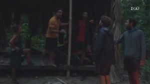 Survivor 4 - αποκλειστικό: Παρενέβη η παραγωγή για να ηρεμήσει τον Σάκη