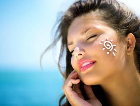 5 μυστικά για αψεγάδιαστη επιδερμίδα το καλοκαίρι! - BEAUTY NEWS - Youweekly
