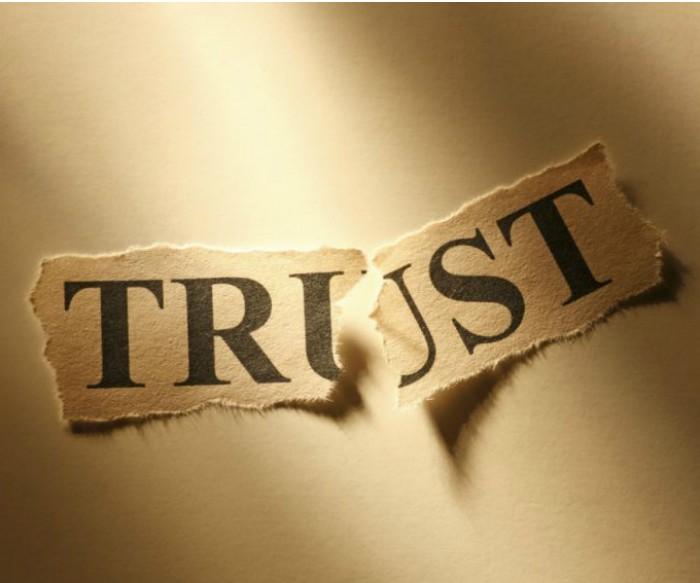 που βγαίνεις με κάποιον που δεν μπορείς να εμπιστευτείς OK site γνωριμιών