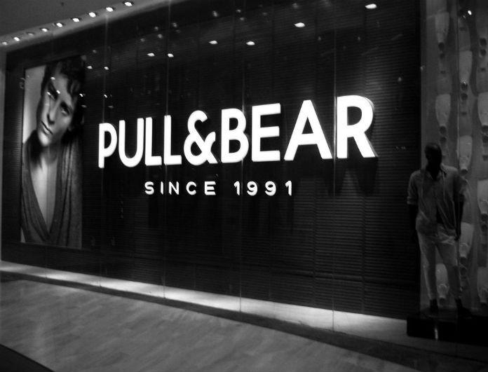 5a9c16b86704 Πρωτότυπα φλατ σανδάλια για όλες τις ώρες με λιγότερα από 20€ από τα  pull bear - FASHION NEWS - Youweekly