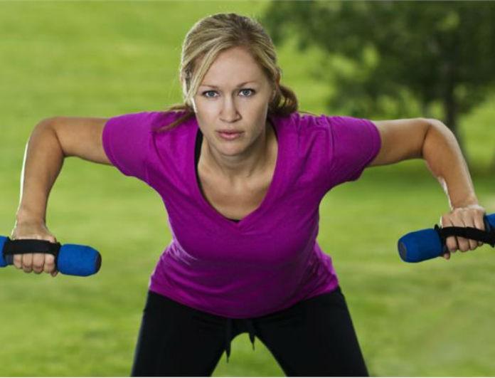 Χαλαρά χέρια; 5 ασκήσεις και έξυπνα tips για να αποκτήσεις καλογυμνασμένα χέρια