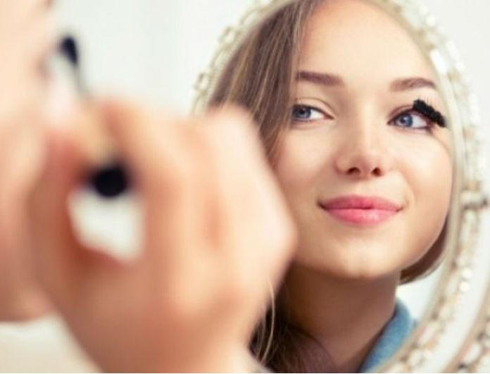 Ξεμείνατε από βασικά καλλυντικά; 6 κόλπα για να τα αντικαταστήσετε με αυτά που ήδη έχετε!