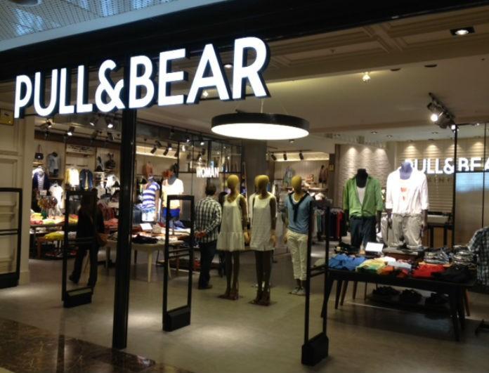 Τα πιο μοδάτα μίνι φορέματα των Pull & Bear σε καταπληκτικές τιμές!
