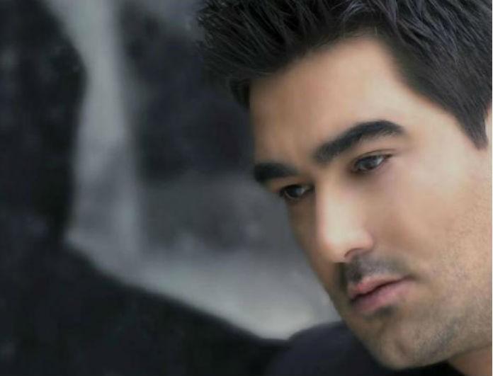 Πέθανε ο τραγουδιστής Γιώργος Καραγιαννάκης -Βρέθηκε νεκρός σε ξενοδοχείο