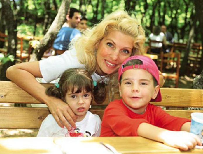 Ελένη Μενεγάκη: H συνήθεια του γιου της Άγγελου που την έκανε να αγανακτεί -Τι αποκάλυψε η παρουσιάστρια;