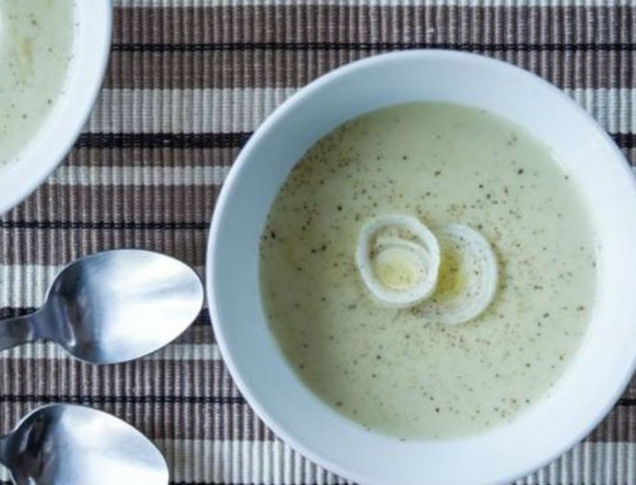i-pio-oraia-soupa-me-praso-kai-patates