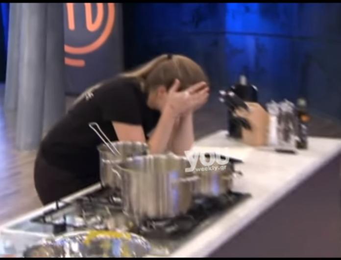 Master Chef: Κατέρρευσε παίκτρια πάνω στην κουζίνα! Το σχόλιο του Δημήτρη Σκαρμούτσου που την έκανε κομμάτια! (βίντεο)
