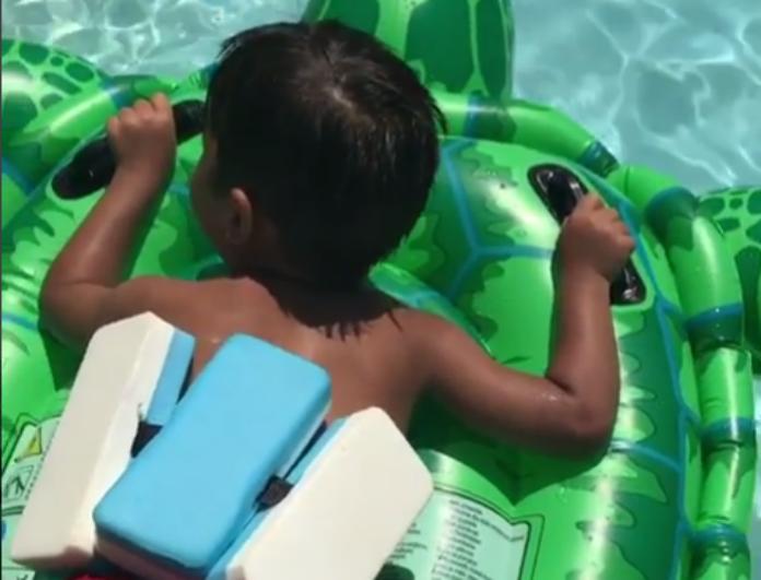 Λιώσαμε! Το βίντεο της Φαίης Σκορδά με τον μικρό Δημητράκη και ο διάλογος που ξετρέλανε το διαδίκτυο! Η πιο γλυκιά φωνούλα! (Βίντεο)