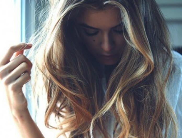 Βάψε φυσικά τα μαλλιά σου σπίτι με βότανα. Δες ποια βότανα πετυχαίνουν το κάθε χρώμα