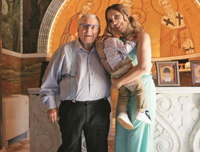 Φοίβος Βουτσάς: Το κόνσεπτ της διακόσμησης της βάπτισης και η απαίτηση του μωρού!
