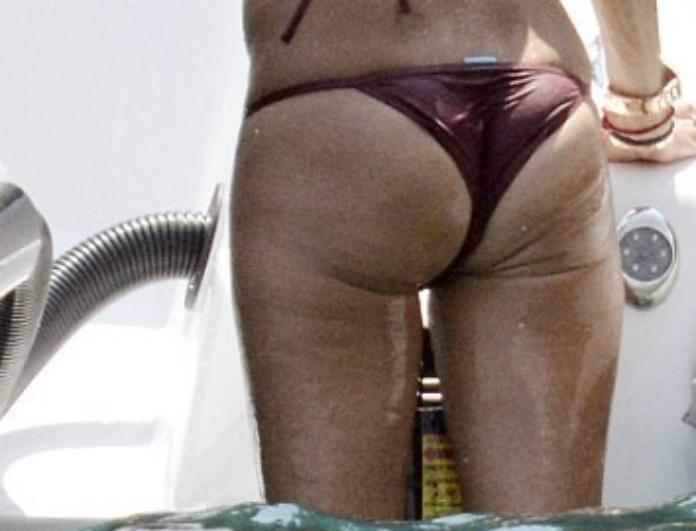 Δεν φαντάζεστε σε ποια γνωστή κυρία της showbiz ανήκει αυτό το... θέαμα! (Photos)