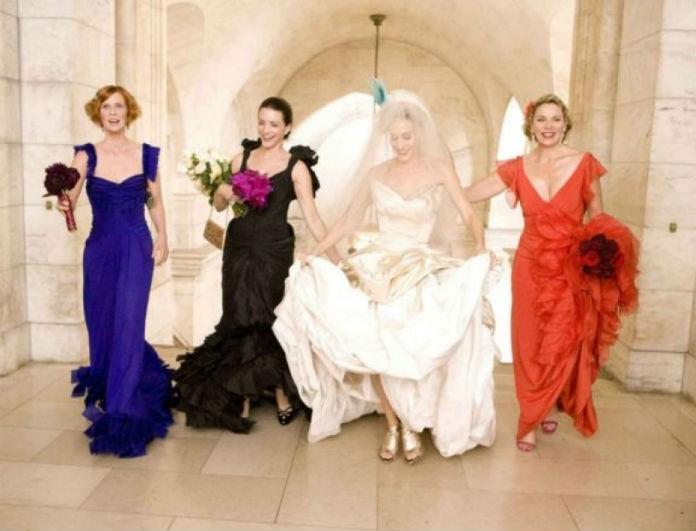 Eίσαι καλεσμένη σε γάμο; Aυτές είναι οι συμβουλές για το ντύσιμό σου