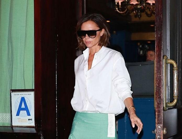 H Victoria Beckham δείχνει άλλη μια φορά το δρόμο, αυτή τη φορά για το χρώμα που πρέπει να έχουν οι γόβες σου