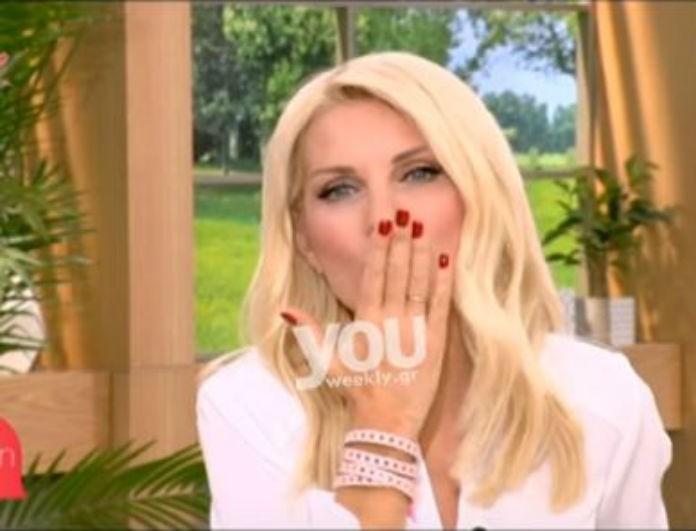 Αυτό δεν το περιμέναμε! Το ζεστό φιλί της Ελένης Μενεγάκη στον Ματέο on air! (βίντεο)