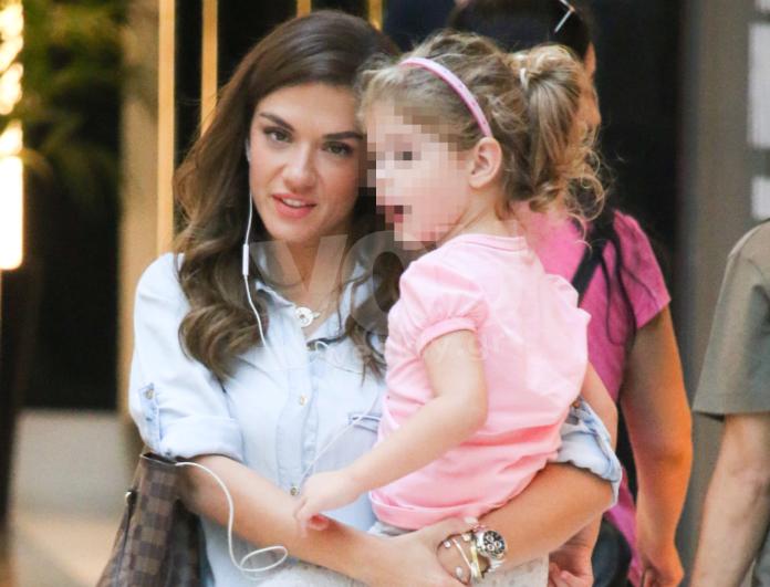 Βάσω Λασκαράκη: Η πρώτη δημόσια εμφάνιση με την 4χρονη κόρη της λίγο μετά τον χωρισμό της με τον Γιάννη Τσιμιτσέλη!