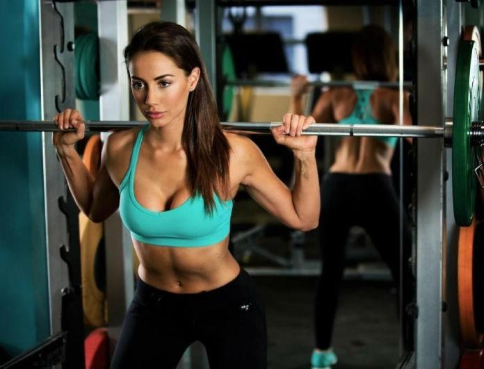 Τι πρέπει να κάνω πρώτα όταν πάω στο γυμναστήριο; Βάρη ή διάδρομο;