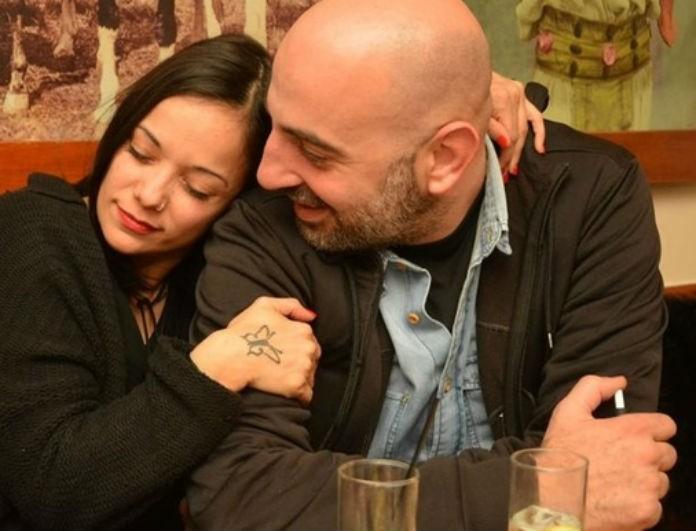 Κατερίνα Τσάβαλου - Δημήτρης Στεργίου: Ποζάρουν μέσα από το δωμάτιo του μαιευτηρίου με την κορούλα τους!