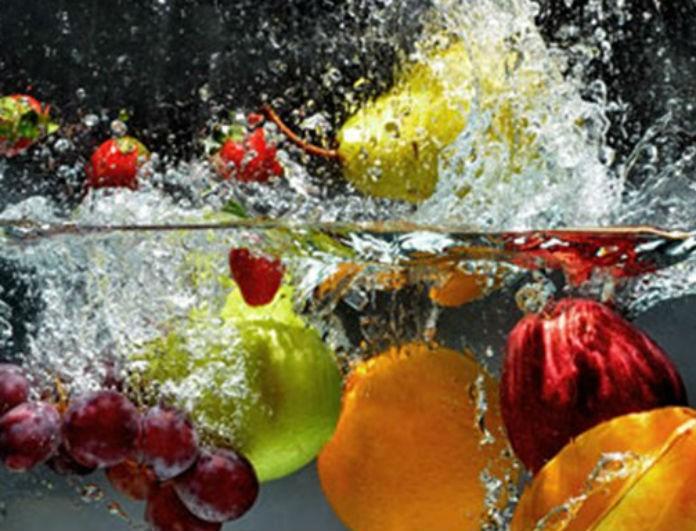 Είσαι σίγουρη ότι τόσο καιρό δεν το κάνεις λάθος; Δες εδώ ποια τρόφιμα δεν πρέπει να πλένεις ποτέ και για ποια το πλύσιμο είναι απαραίτητο!