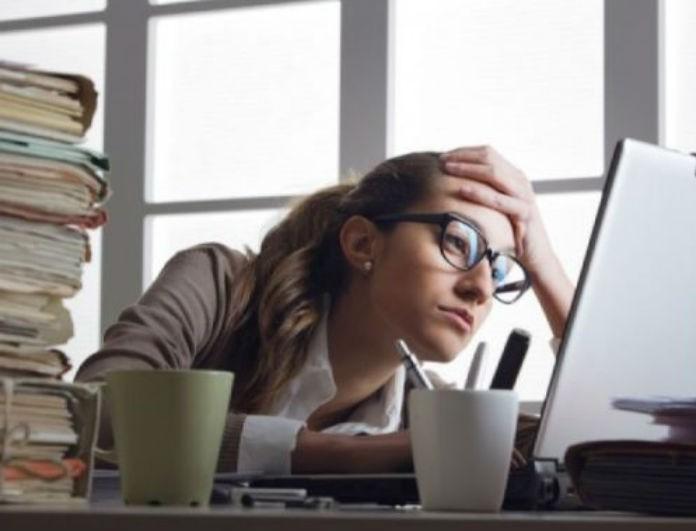 Γιατί νιώθω συνέχεια κουρασμένος; Τα συμπτώματα που πρέπει να σε ανησυχήσουν!