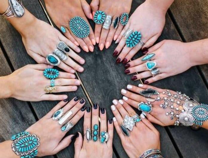 Jewerly trend: Η νέα τάση στα κοσμήματα που αγαπήθηκε από τους οίκους μόδας! Εσύ θα τα φορούσες;