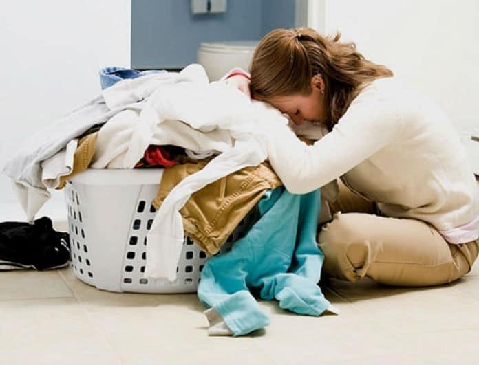 Βαριέσαι το σιδέρωμα; Όχι πια! Τα μυστικά  που θα σου «λύσουν» τα χέρια!