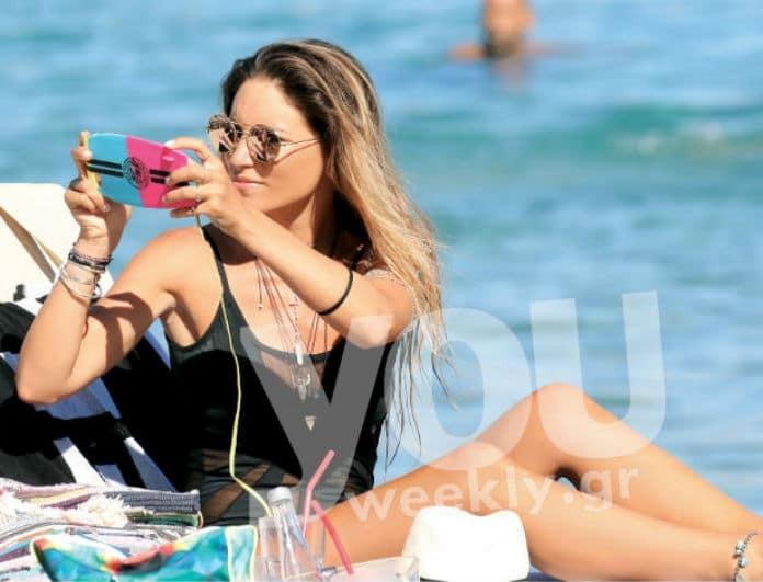 Αθηνά Οικονομάκου: Τα γυαλιά ηλίου με τον μπλε φακό που μας ξετρέλαναν! Που μπορείς να τα βρεις!