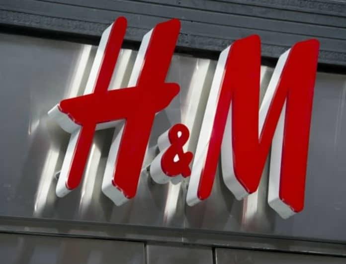 Shop it! Ανανέωσε την γκαρνταρόμπα σου με λιγότερο από 10 ευρώ! Το floral φόρεμα από τα H&M που αγαπήσαμε!