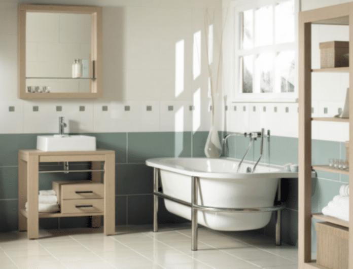Αστραφτερό μπάνιο σας με μόλις δύο κινήσεις! Τα μυστικά που θα σας «λύσουν» τα χέρια!