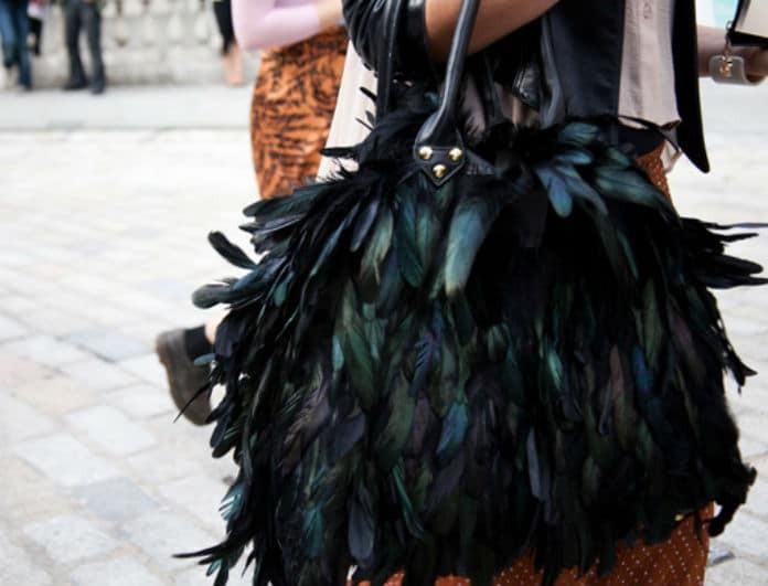 Put some feather on: Το νέο για το φετινό καλοκαίρι! Πως θα υιοθετήσεις το απόλυτο street stryling!
