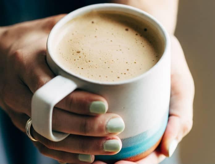 Εσύ το ήξερες; Αυτός είναι ο λόγος που δεν κάνει να βάζεις γάλα στον καφέ!