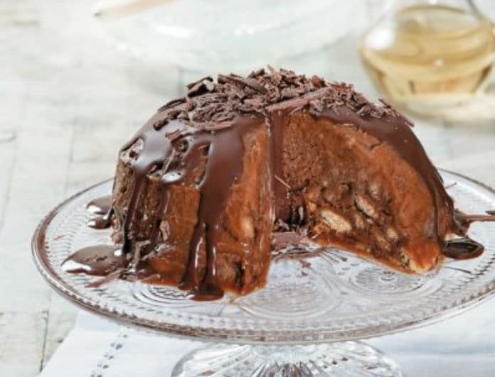 Ώρα για γλυκό! Παγωμένη μπόμπα από σεμιφρέντο με μπισκότα κανέλας και μέλι!