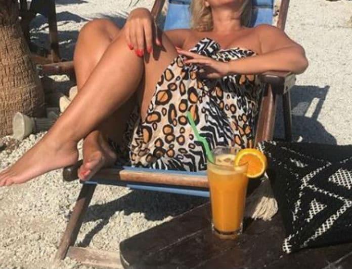 Το λεοπάρ... beachwear Ελληνίδας παρουσιάστριας που μας στιγμάτισε! Ποια έκανε την ανατροπή;