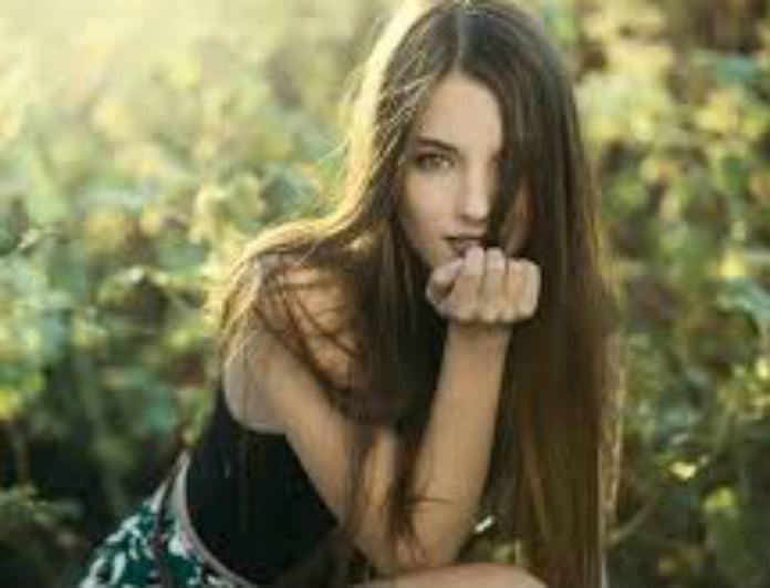 Θες μόνιμα ίσια μαλλιά; Το μυστικό για να τα αποκτήσεις χωρίς θερμότητα!