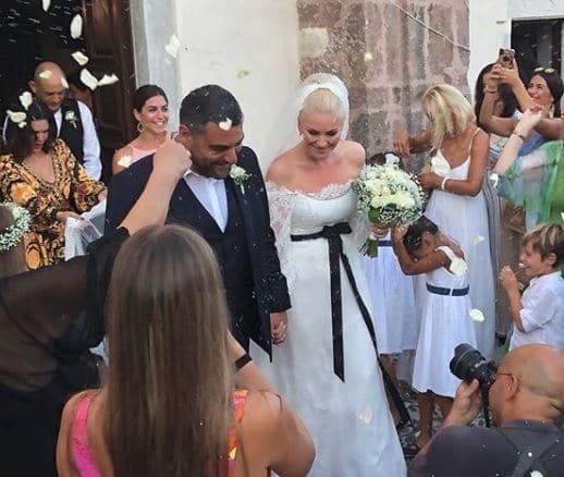 Μουτάφη - Νιφλής: Παντρεύτηκαν! Οι πρώτες εικόνες από τον γάμο τους!
