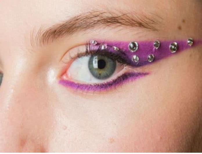 New make up trend: Στρασάκια τώρα και στα.. μάτια!