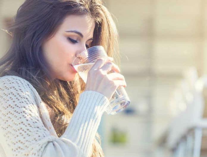 Αυτές είναι οι ώρες της μέρας που απαγορεύεται να πίνεις νερό! Εσύ τις ξέρεις;